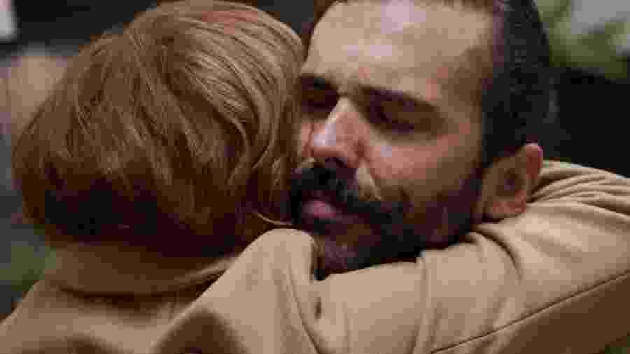 Jonathan se emociona ao reencontrar sua professora do Ensino Médio na quarta temporada de Queer Eye - Divulgação/Netflix
