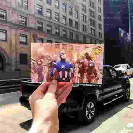 Cena de Vingadores (2012) colocada nas ruas de Nova York em foto - Reprodução/Instagram