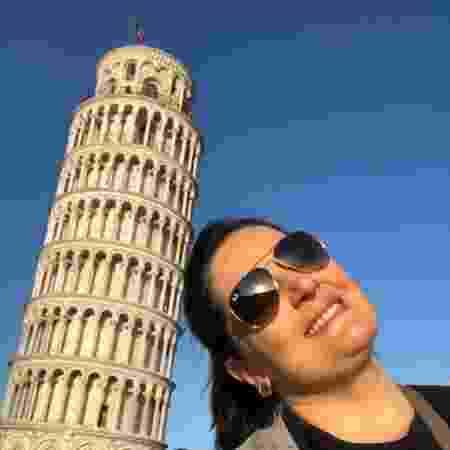 Em Pisa, com a famosa torre italiana - Arquivo Pessoal