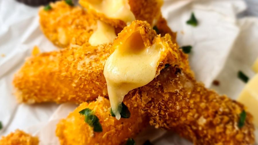 Fritura apresenta crosta firme e queijo derretido - Vini Ferreira