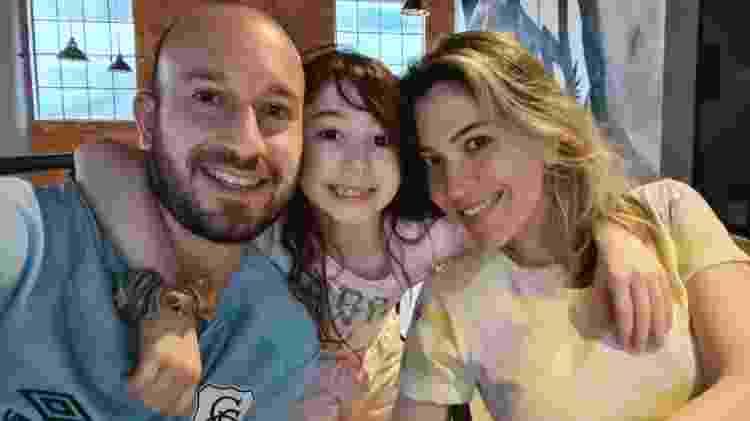 Natalie com a filha, Luiza, e o marido Peterson - arquivo pessoal - arquivo pessoal