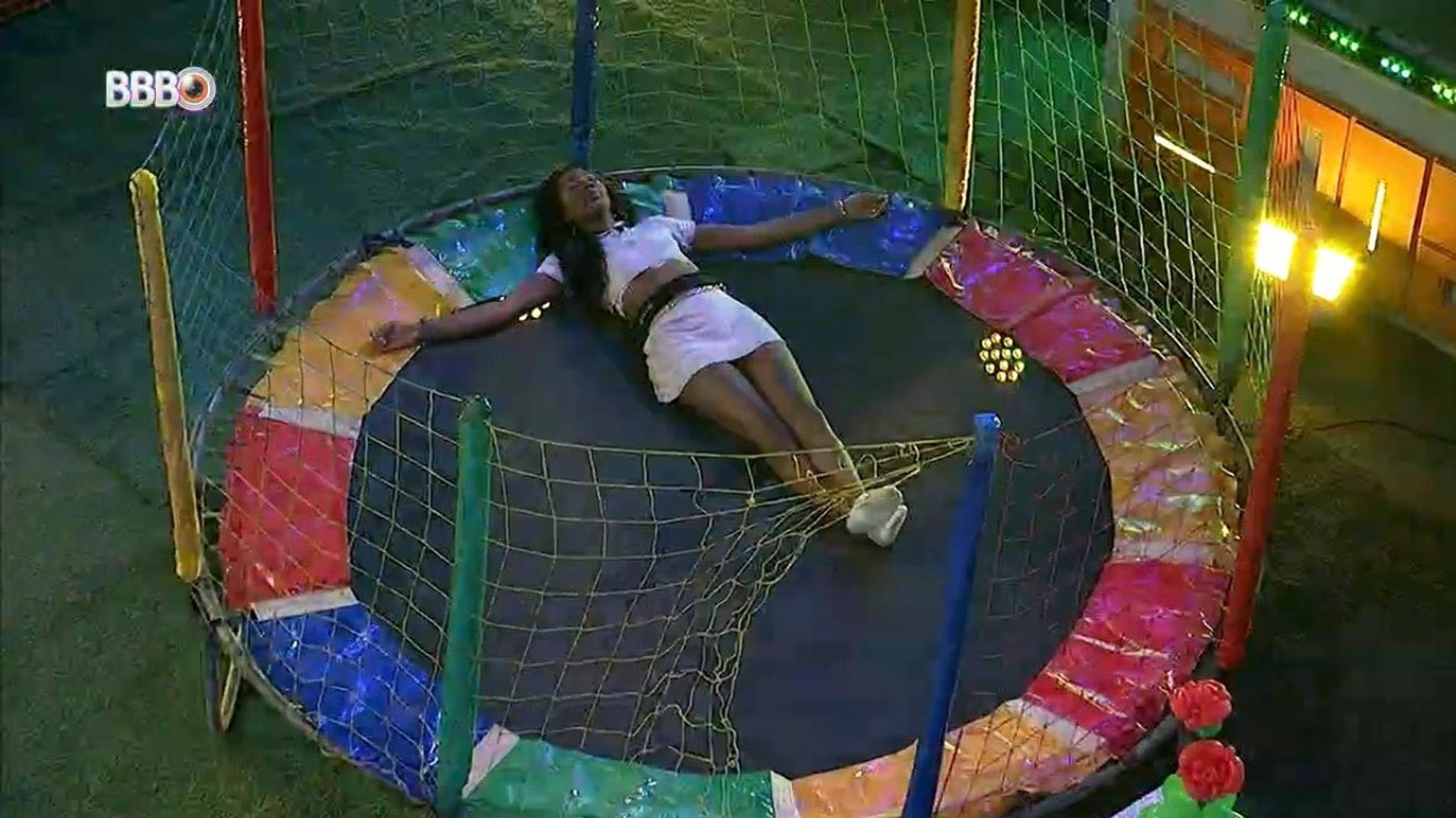 BBB 21: Camilla na cama elástica - Reprodução/Globoplay