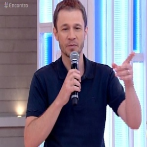"""Tiago Leifert diz que não conseguia parara de chorar nas primeiras audições do """"The Voice Kids"""" - Reprodução/TV Globo"""
