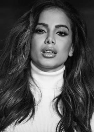 Anitta se esquiva de manifestar sua posição política