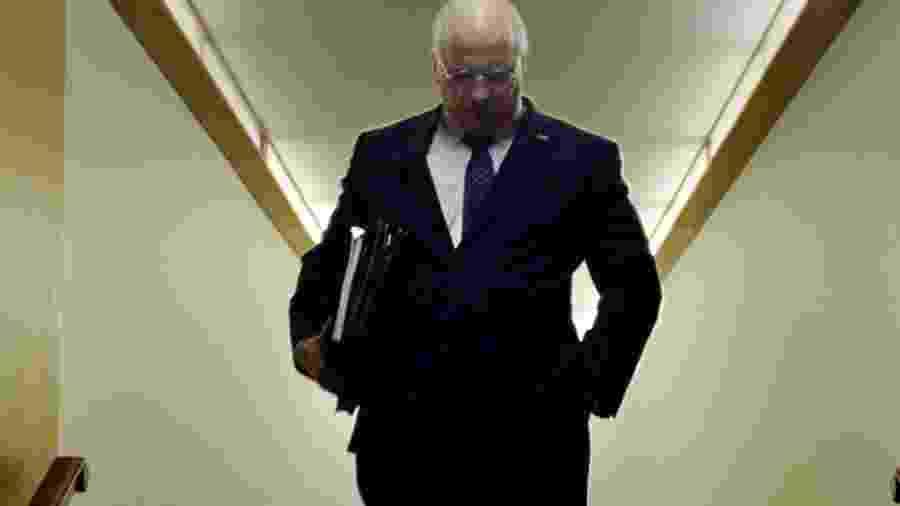"""Christian Bale como Dick Cheney em cena de """"Vice"""" - Reprodução"""