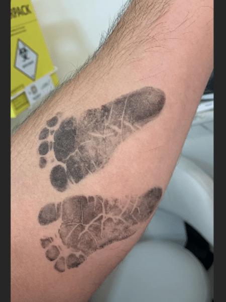 Duda Nagle mostra marca dos pezinhos da filha em seu braço - Reprodução/Instagram