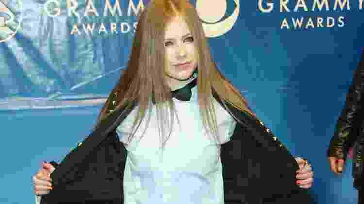 Looks do Grammy - Avril Lavigne em 2003 - Evan Agostini/Getty Images - Evan Agostini/Getty Images