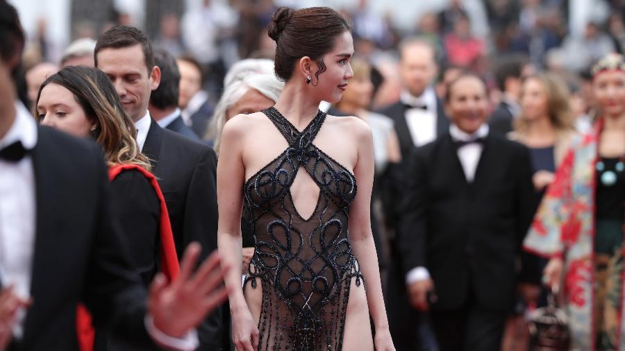 Modelo e designer de roupas  Ngoc Trinh passa pelo tapete vermelho no Festival de Cannes - Andreas Rentz/Getty Images