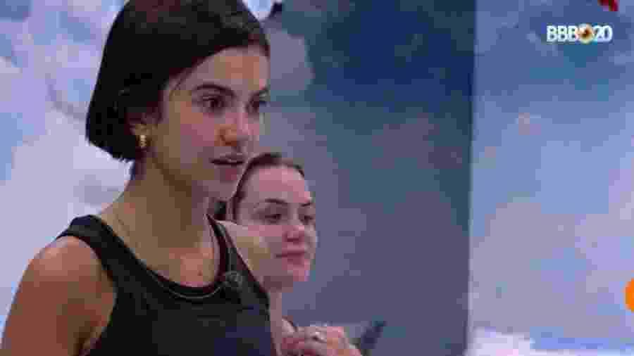 Manu conversa com sisters no quarto céu - Reprodução/GlobosatPlay