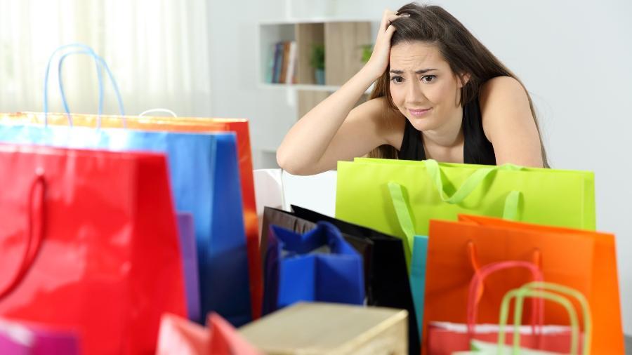 As preocupações, impulsos ou comportamentos de comprar causam sofrimento - iStock