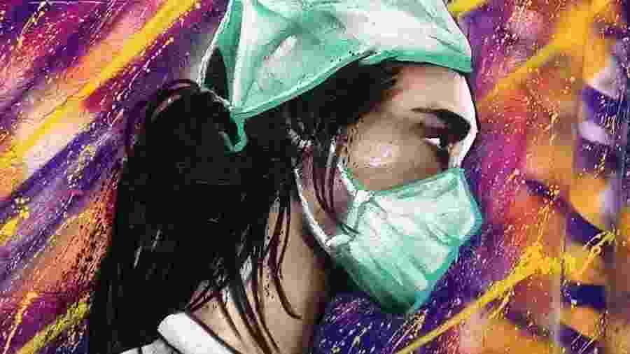 No distrito da Brasilândia, o grafiteiro Digão pintou o rosto de uma amiga enfermeira em um muro, e colocou máscaras em retratos antigos - Arquivo Pessoal