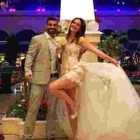 """Jorge e Laura se casaram em Las Vegas após ganharem o """"Power Couple"""" - Reprodução/Instagram/laurakelleroficial - Reprodução/Instagram/laurakelleroficial"""