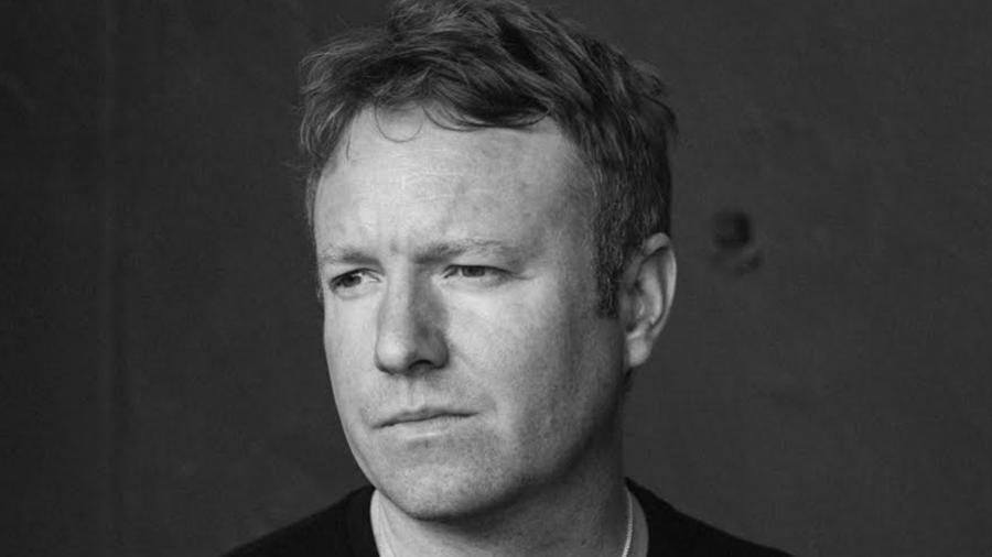 O escritor inglês Joe Thomas  - Divulgação