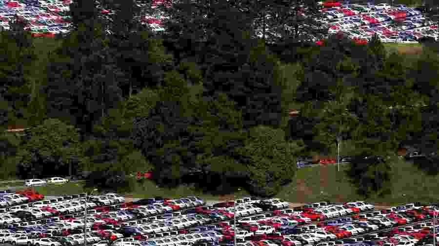 Vendas de carros podem voltar a crescer este ano, ainda que de maneira discreta - Paulo Whitaker/Reuters