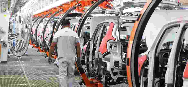 Linha de montagem do Jeep Renegade em Goiana (PE) - Sérgio Bernardo/JC Imagem/Folhapress