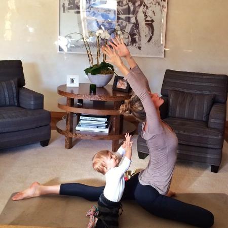 Gisele Bündchen relembra momento em que fez ioga com a filha, Vivian - Reprodução/Instagram/gisele
