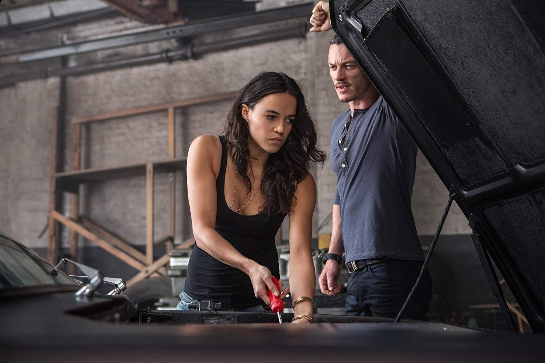 """Michelle Rodriguez volta a """"Velozes e Furiosos"""" após exigir roteirista  mulher - 18/05/2019 - UOL Entretenimento"""