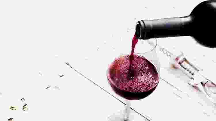 Taça de vinho, garrafa de vinho, vinícolas - Zakharova_Natalia/Getty Images/iStockphoto - Zakharova_Natalia/Getty Images/iStockphoto