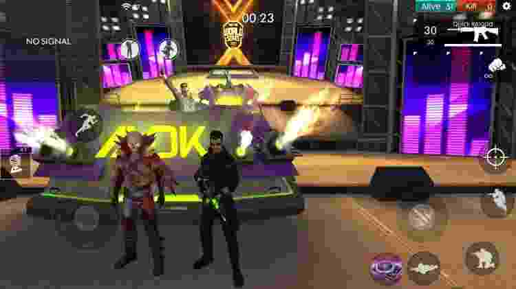 Antes de a partida começar, um DJ Alok agita as coisas em cima do palco - Reprodução