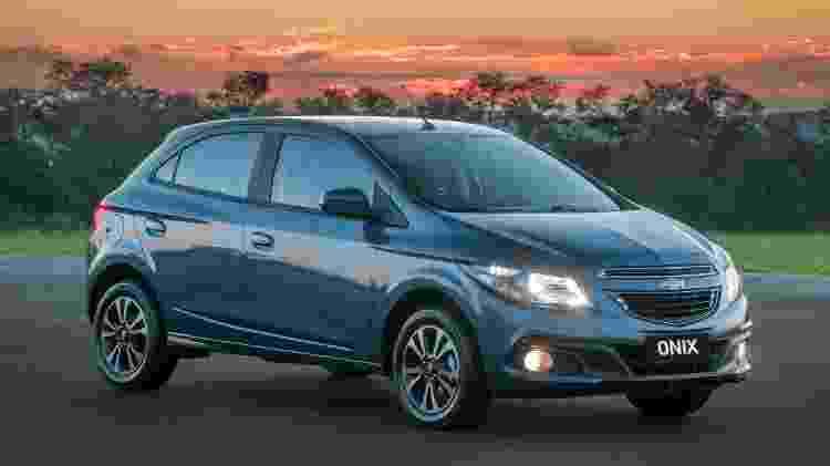 Chevrolet Onix LTZ 2015 - Divulgação - Divulgação
