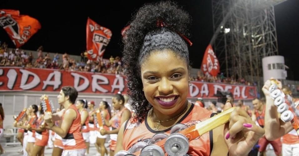 02.fev.2016 - A Dragões da Real foi a última escola de samba a fazer ensaio técnico no Sambódromo do Anhembi.