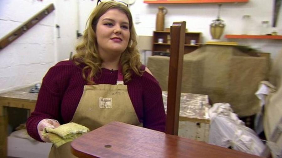 """Grace, uma alcoólatra em recuperação, é uma das 16 mulheres morando em Amy""""s Place - BBC"""