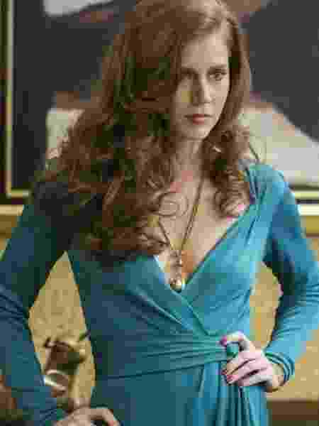 """Amy Adams em cena de """"Trapaça"""" (2013) - Divulgação"""