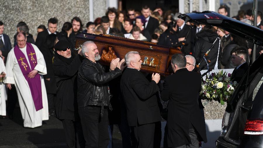 """Dolores O""""Riordan é enterrada após velório privado para familiares e amigos próximos - REUTERS/Clodagh Kilcoyne"""