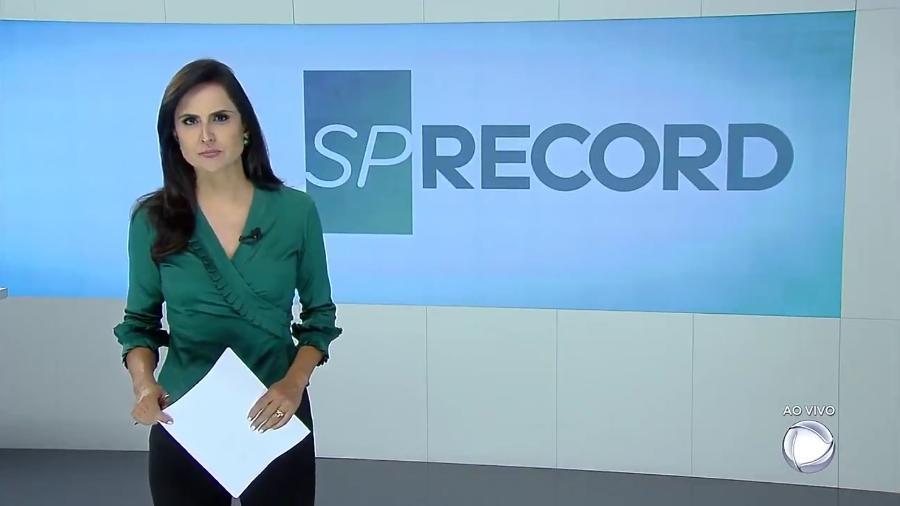 """Carla Cecato apresenta a última edição do telejornal """"SP Record"""" - Reprodução/Record"""
