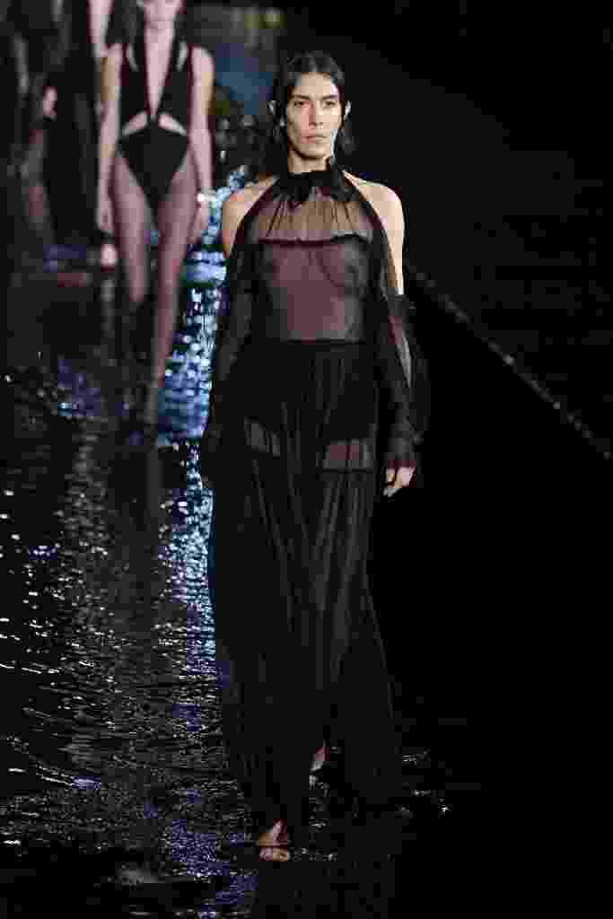 Coleção primavera/verão 2019 Saint Laurent na Semana de Moda de Paris - Getty Images
