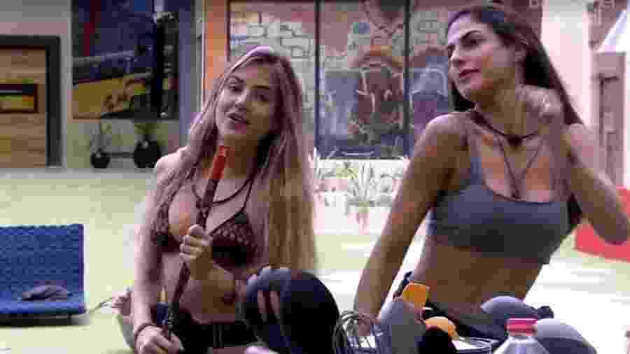 Gabi e Mari cantando no BBB 20 - Reprodução/Globoplay