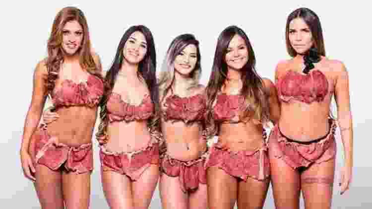 Raissa Barbosa e outras modelos com look de carne da Lady Gaga - Arquivo pessoal - Arquivo pessoal