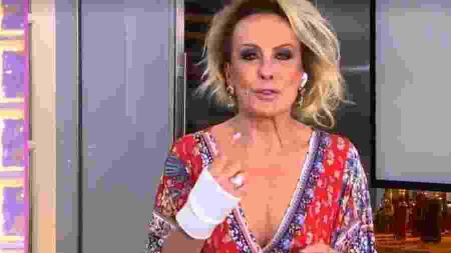 Ana Maria Braga com proteção na mão direita após fazer cirurgia - Reprodução/TV Globo
