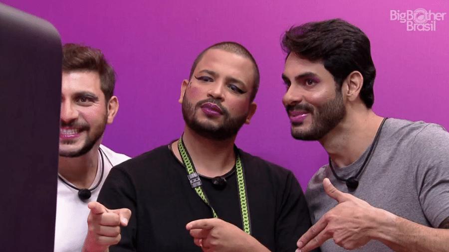 BBB21: Caio, Projota e Rodolffo tiram foto maqueados - Reprodução / Globoplay