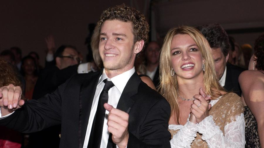 26.02.2002 - Justin Timberlake e Britney Spears no Grammy - L. Cohen/WireImage