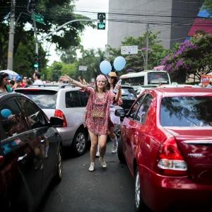 Dicas ajudam a viajar com segurança sem atravessar o samba - Leonardo Soares/UOL