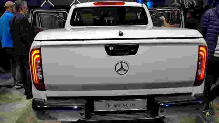 Mercedes Classe X vista por trás - UOL Carros - UOL Carros