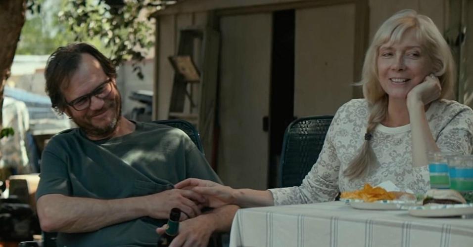 """Glenne Headly com Bill Paxton no filme """"O Círculo"""" (2017)"""
