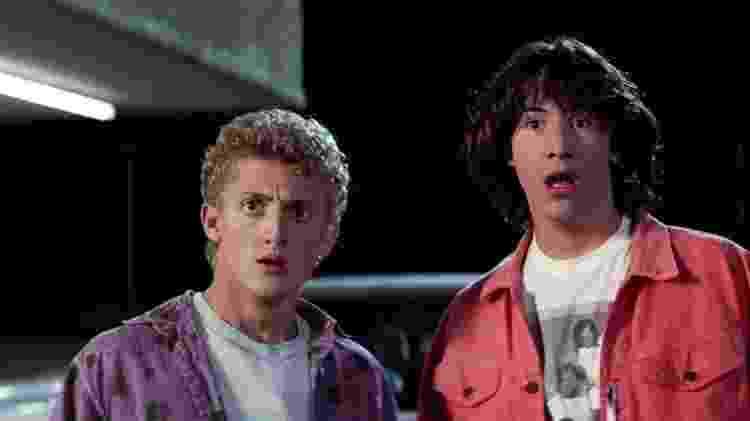 """Alex Winter e Keanu Reeves em cena de """"Bill & Ted - Uma Aventura Fantástica"""" (1989) - Reprodução - Reprodução"""
