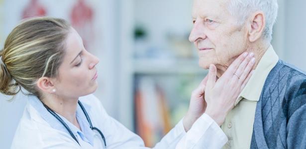 Exame rápido no pescoço pode prever Alzheimer dez anos antes dos sintomas