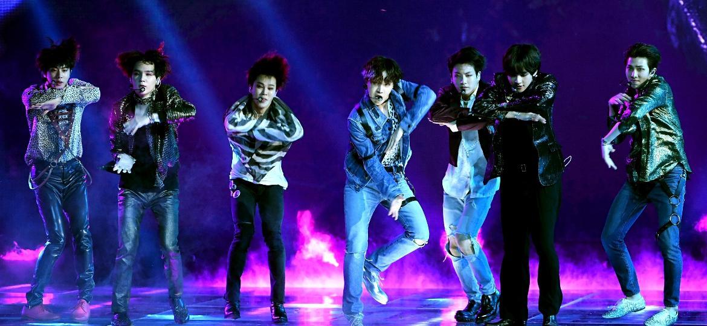 Os integrantes do BTS durante show em Las Vegas, nos Estados Unidos - Kevin Winter/Getty Images