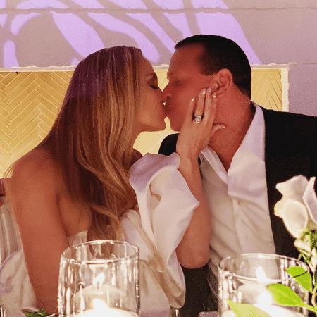 Jennifer Lopez e Alex Rodriguez em sua festa de noivado - Reprodução/Instagram