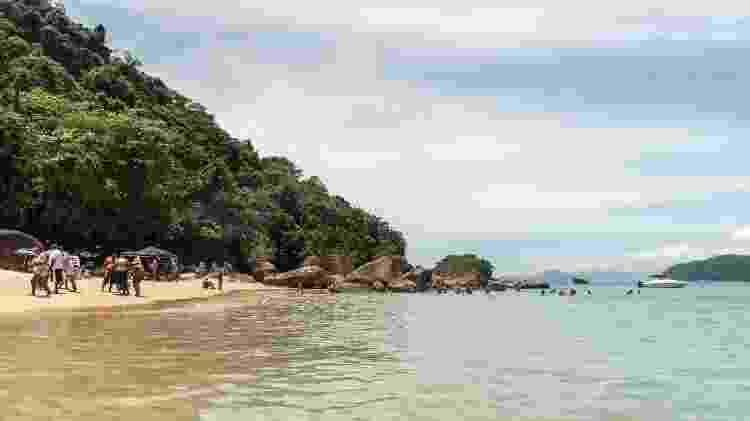 Na ilha de Prumirim, descanso em larga faixa de areia fofa e água cristalina - Getty Images - Getty Images