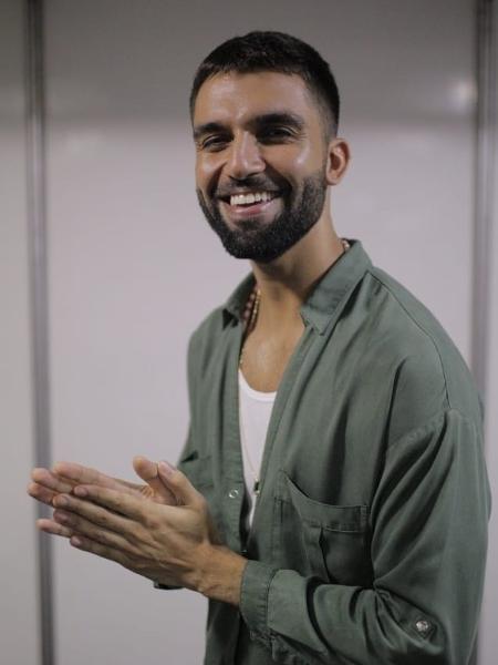 O cantor Silva se apresenta no Camarote Bar Brahma - André Lucas/UOL