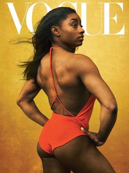 """Simone Biles na capa da """"Vogue"""" norte-americana de agosto de 2020 - Reprodução"""