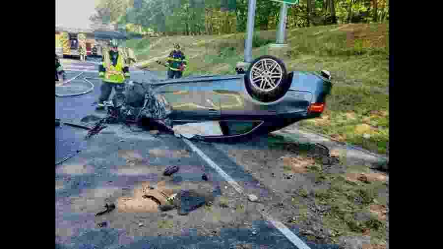 Audi S5 bate em estrada nos EUA - CSP