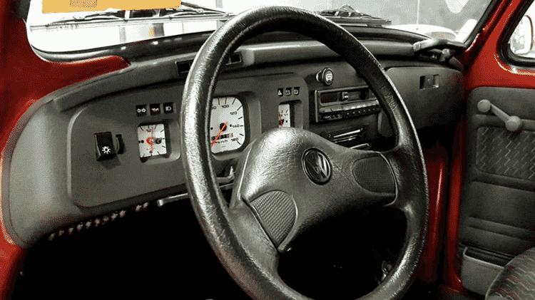 Volkswagen Fusca Itamar inflacionado Série Ouro Vermelho Dakar 1996 interior - Arquivo pessoal - Arquivo pessoal
