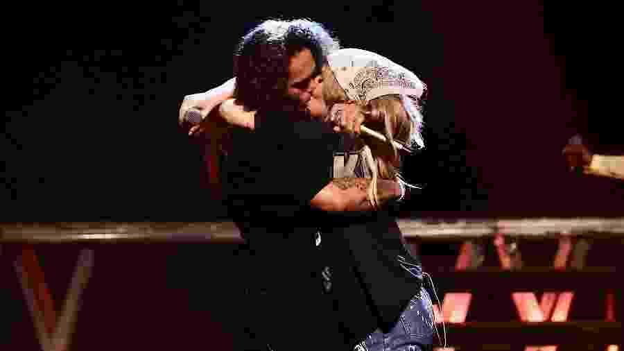 A cantora subiu ao palco para cantar com o namorado - Manuela Scarpa/Brazil News