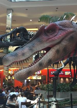 Crianças e adultos poderão conferir de perto réplicas com grande riqueza de detalhes do Tiranossauro Rex e do Velociraptor - Divulgação
