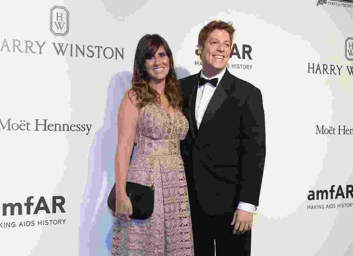 27.abr.2017 - Nataly Mega e Fábio Porchat no baile de gala beneficente da amfAR, em São Paulo - Francisco Cepeda e Thiago Duran / AgNews